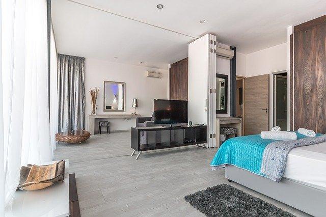 ensemble de meubles dans un maison