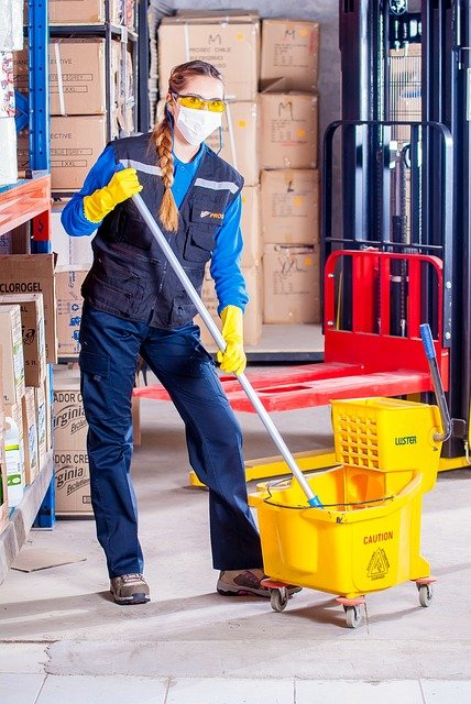 agent de nettoyage industriel