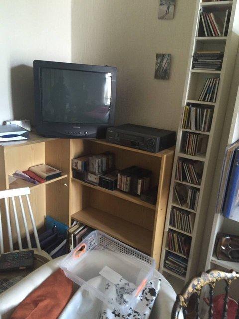 débarras complet d'un télévision, armoire et DVD